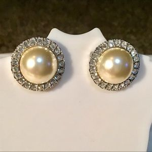 Jacqueline Bouvier Kennedy Pearl Earrings